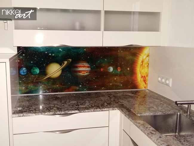 cr dence de cuisine en verre imprim nasa. Black Bedroom Furniture Sets. Home Design Ideas