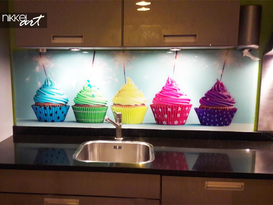 Cr dence de cuisine en verre imprim par rapport un for Tableau en verre imprime