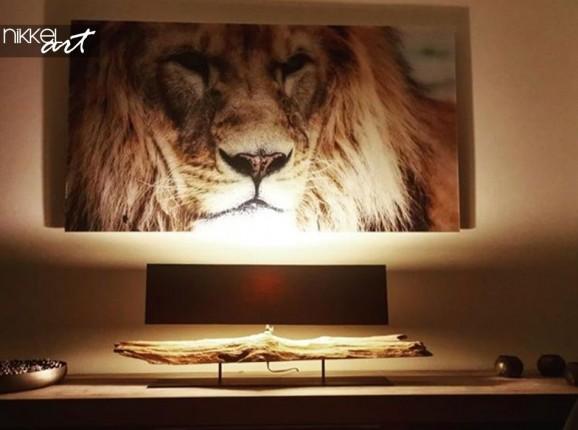 Lion sur Plexiglas