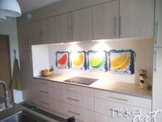 Cr dence de cuisine en verre imprim dans la glace for Cuisine en verre