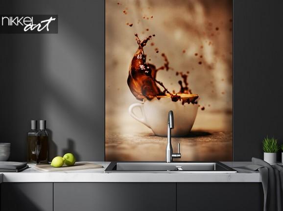Crédence de cuisine en verre avec éclaboussure de café
